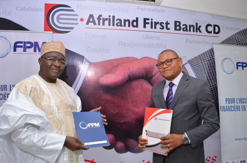 De gauche à droite : M. Souaibou Abary et Carlos Kalambay Kabangu, respectivement Directeur Général de Afriland First Bank CD et du FPM SA