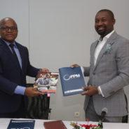 Signature du contrat de partenariat FPM – VisionFund